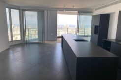 ASTOUNDING MINI PENTHOUSE IN A PRESTIGIOUS NEW TOWER WITH SEA VIEW