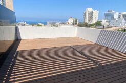 OUTSTANDING 4 ROOMS DUPLEX APT NEXT TO THE BEACH